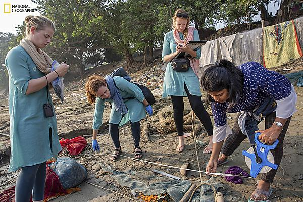 Dr Imogen Napper (far left) helps survey fishing nets along the banks of the Ganges in Fatuha, Bihar (Photo by Sara Hylton, National Geographic)