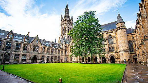 A insular quadrangle typical of medieval universities.