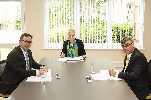 <p>Professor Willie Wilson, Professor Judith Petts and Professor Icarus Allen sign an agreement to form Marine Research Plymouth (Credit University of Plymouth)<br></p>