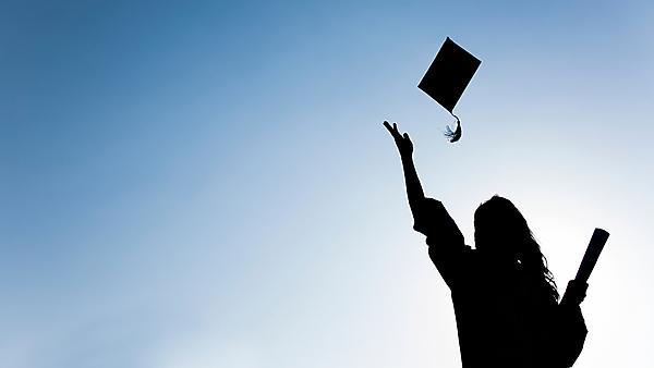 Blog post: Virtual Internships and Graduating from home