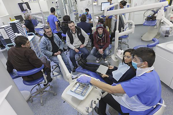 Dental students and Devonport Lifehouse residents at the Devonport Dental Education Facility
