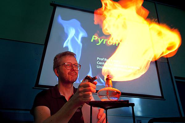 Dr Roy Lowry giving a pyromania lecture