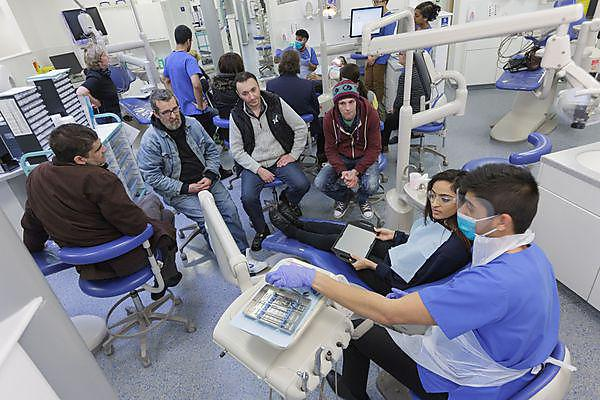 University's dental social enterprise wins national newspaper award