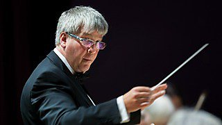 Simon Ible will conduct the orchestra in a concert in The House