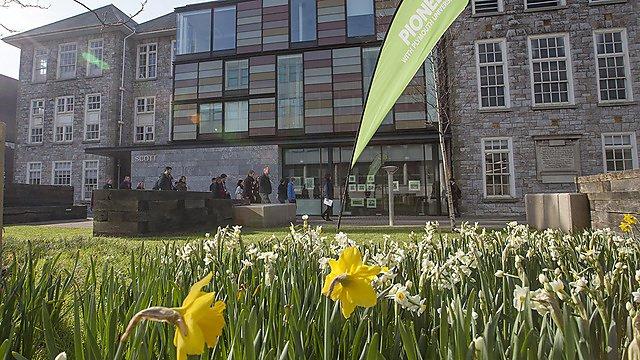 Plymouth University Scott Building. Campus tour.