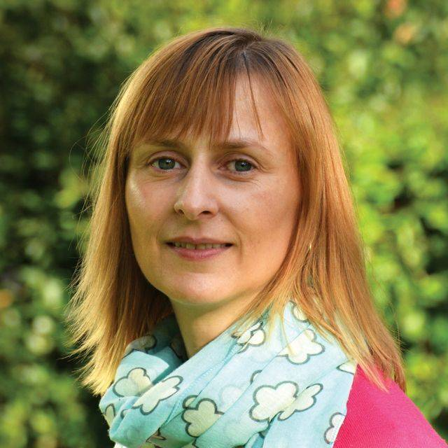 Dr Angela Milne