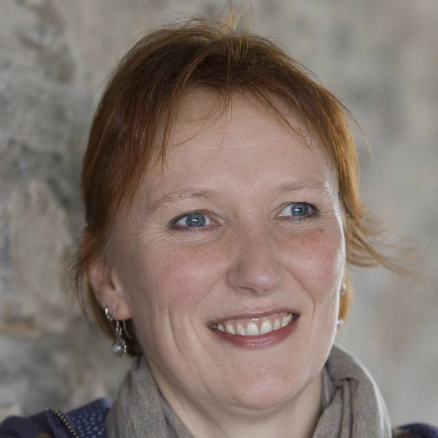 Dr Alison Stokes