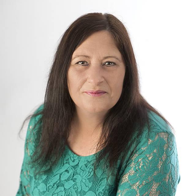 Mrs Catriona Hodge