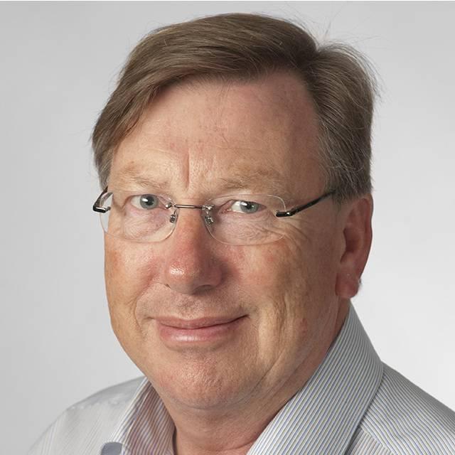 Dr Colin Munn