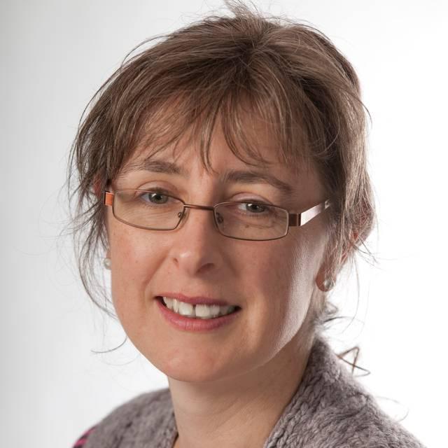 Dr Desley White