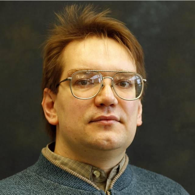 Dr Dmitriy Makhnovskiy