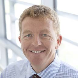 Mr Ewen McColl Clinical Associate Professor (Education) & Consultant in Restorative Dentistry