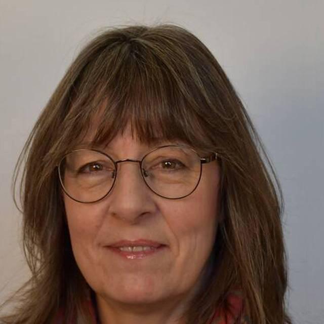 Dr Julie Goodhew