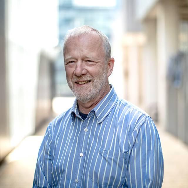 Dr Jim Carfrae