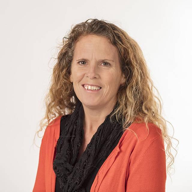 Mrs Joanne Clements