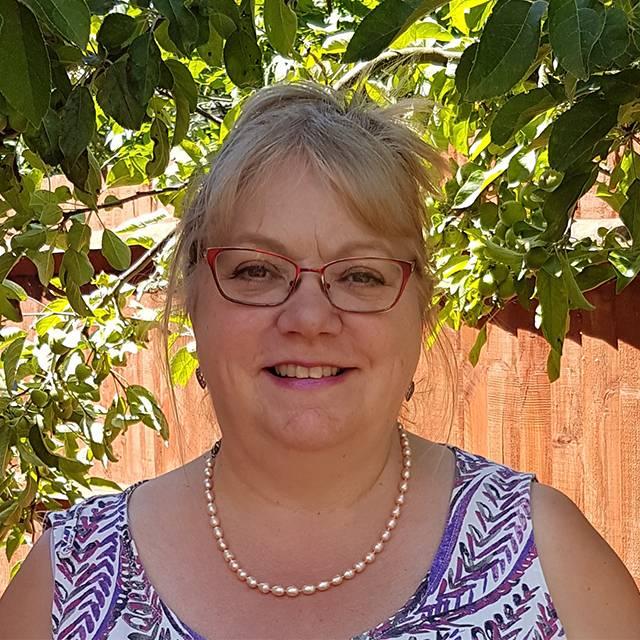 Mrs Jill Gratton