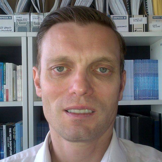 Dr Jonathan Moizer