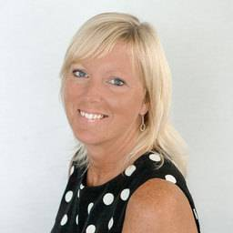 Mrs Julie Thompson Senior Programme Administrator (Dentistry)
