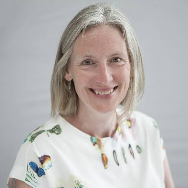 Dr Karen Johnstone