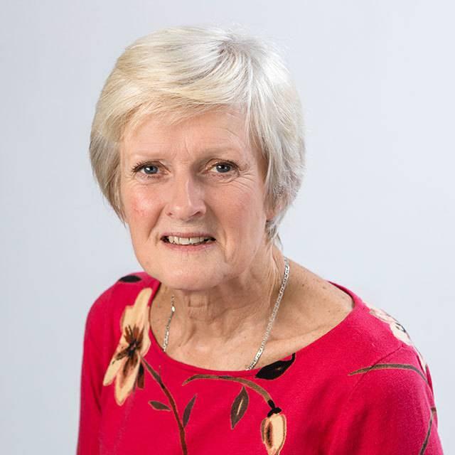 Mrs Kath Vineer