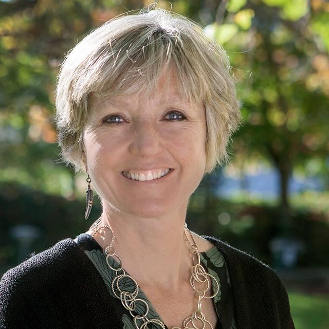 Dr Karen Wickett