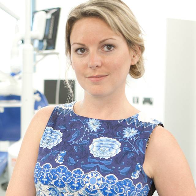 Dr Louise Belfield