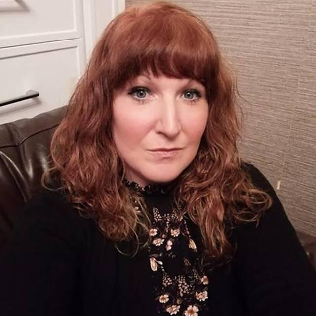 Mrs Laura Gill