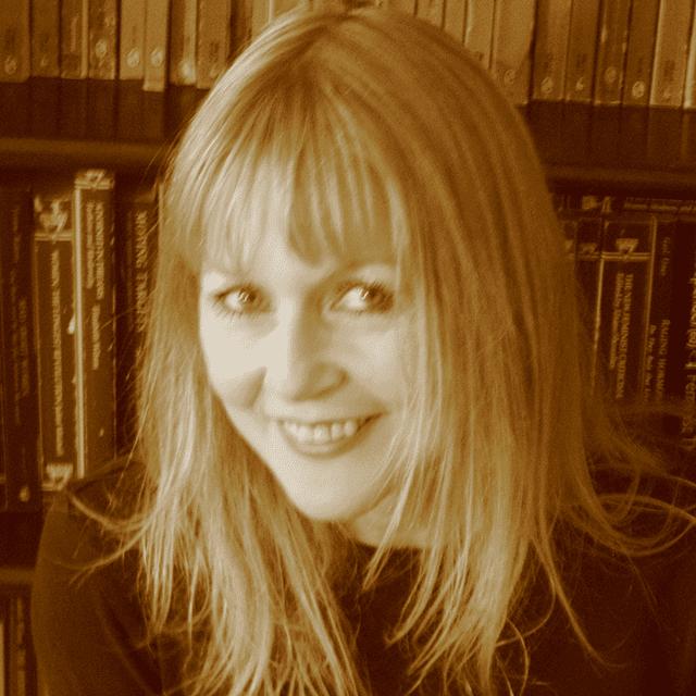 Dr Lyvinia Elleschild