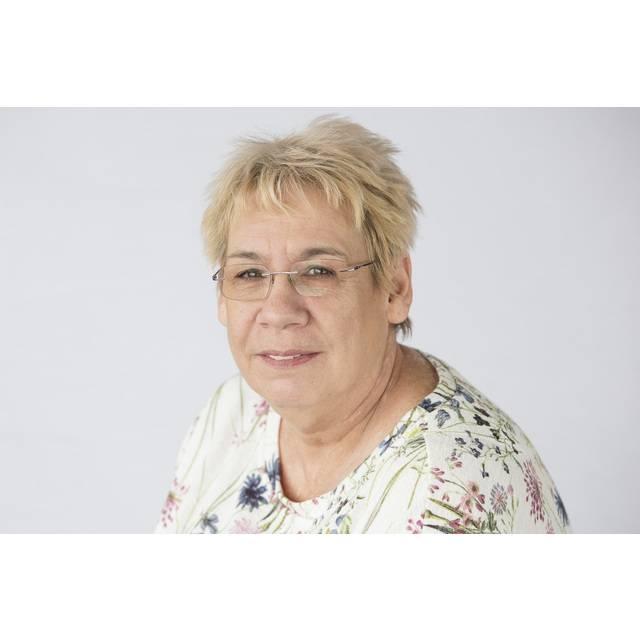 Mrs Liz McGregor