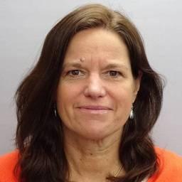 Dr Lucy Spowart Associate Professor (Senior Lecturer) in Postgraduate Education