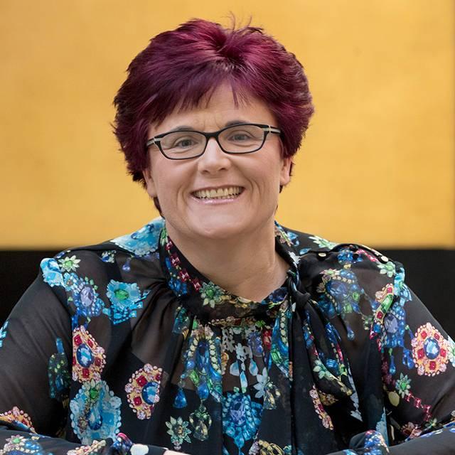Dr Liz Stuart