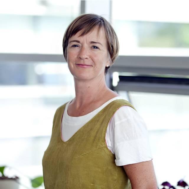 Dr Mairi Knight