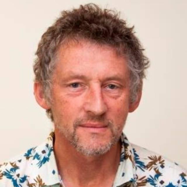 Mr Martin Roberts