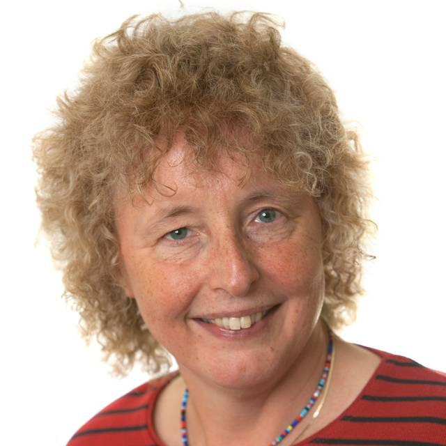 Dr Miriam McMullan