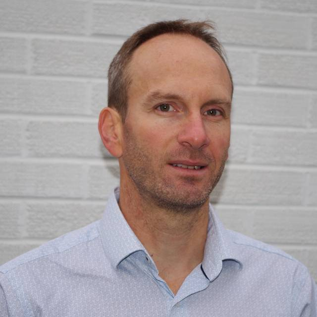 Dr Daniel Martin