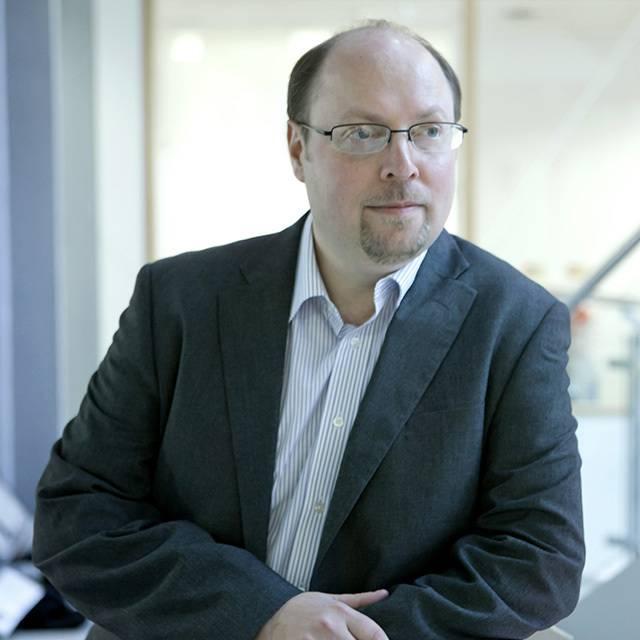 Dr Robert Newbery