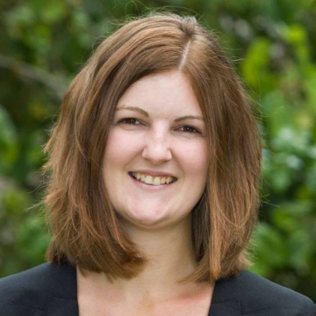 Mrs Roxanne Treloar