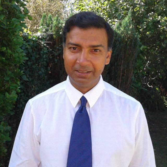 Dr Shakil Awan