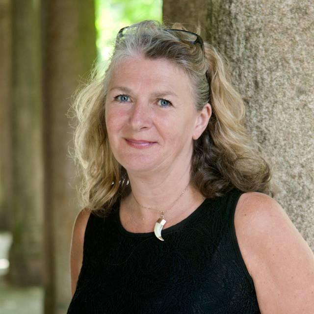 Mrs Sue Fagin
