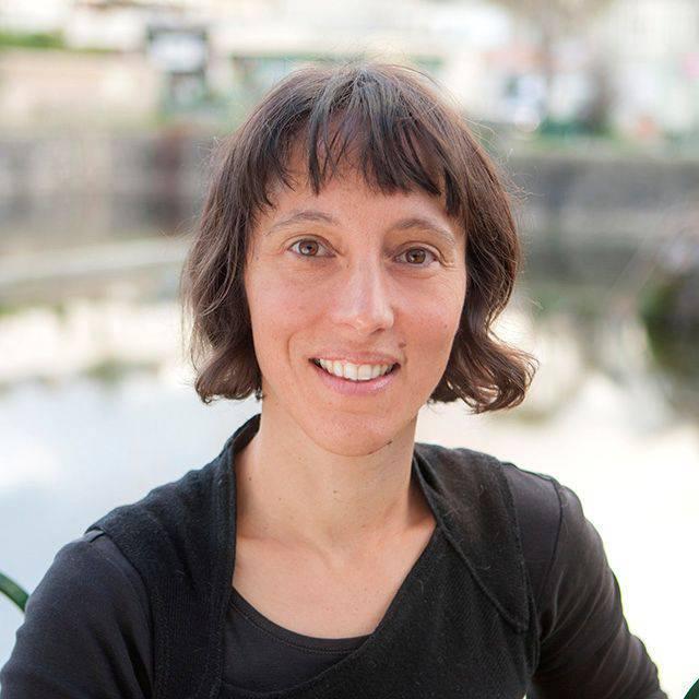 Dr Stephanie Lavau