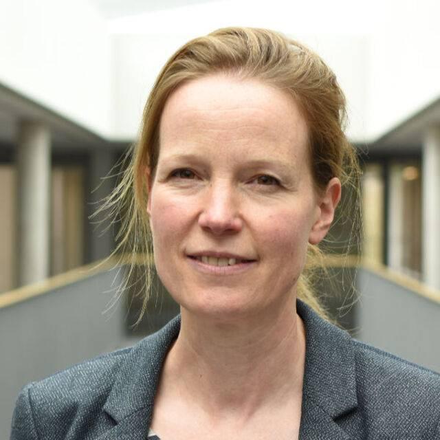 Professor Sabine Pahl