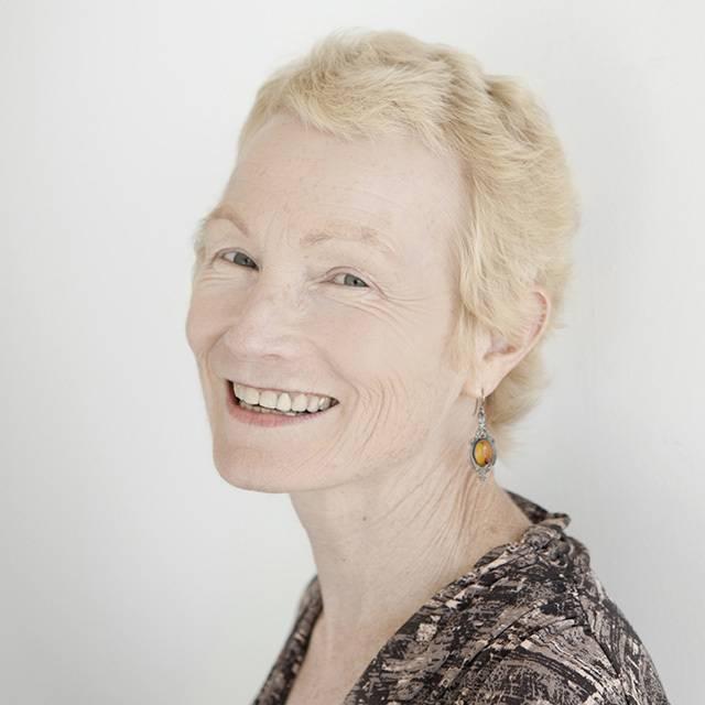 Dr Sarah Tuck