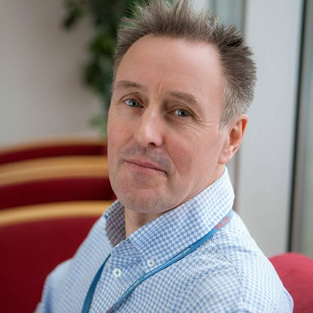 Dr Stephen Thompson