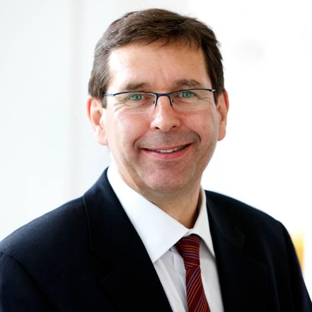 Dr Tim Auburn
