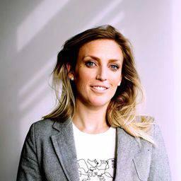 Dr Victoria Hurth Associate Professor (Senior Lecturer) in Marketing