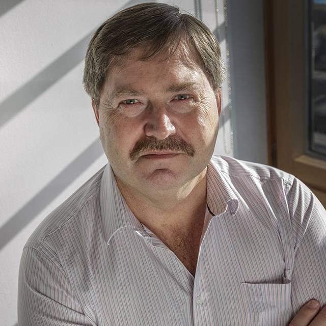 Professor Gideon Maas