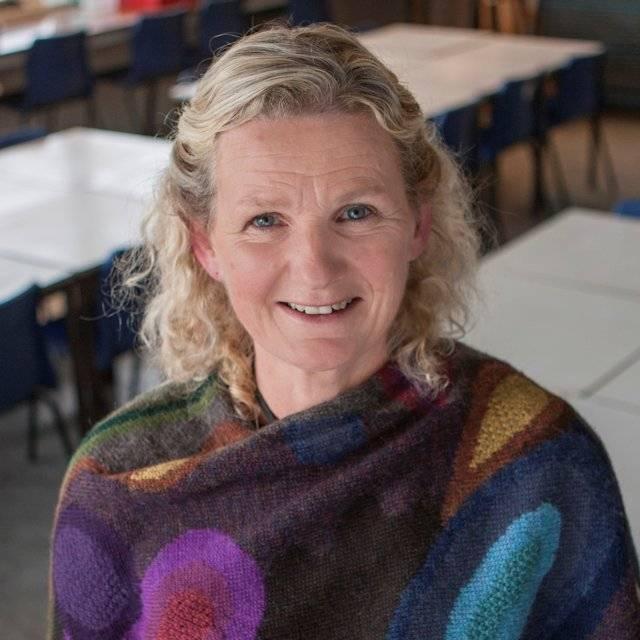 Dr Beth Gompertz
