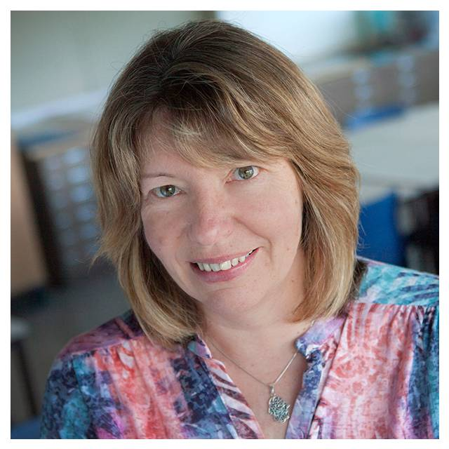 Dr Valerie Huggins