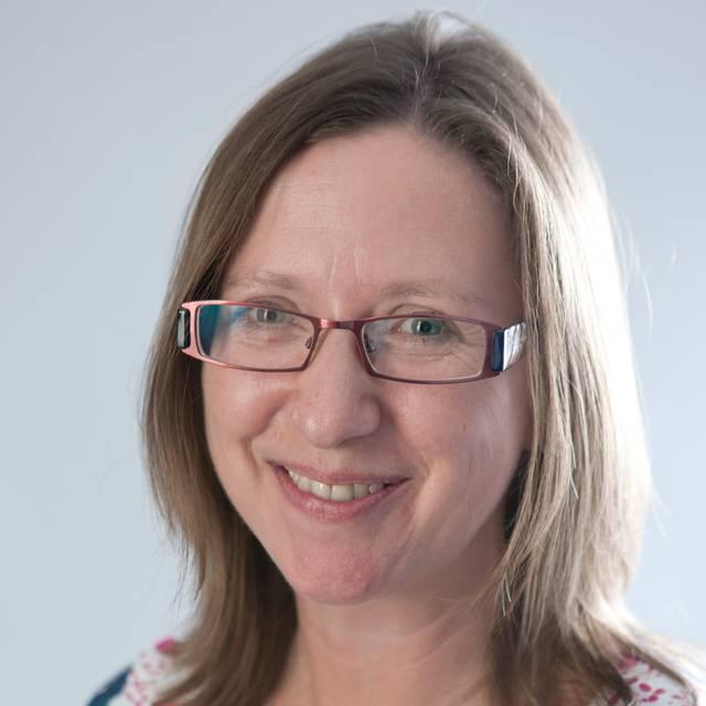 Dr Julie Savage