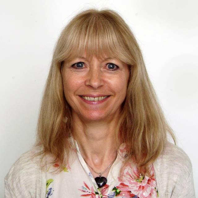 Dr Liz McKenzie